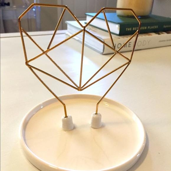 NEW IN BOX! Wire & Ceramic Heart Jewelry Holder
